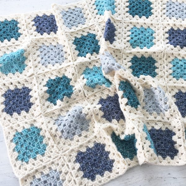 couverture facile au crochet - kit avec pelotes et tutoriel